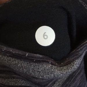 lululemon athletica Pants - Lululemon Gray Black Crop Yoga Leggings Size 6